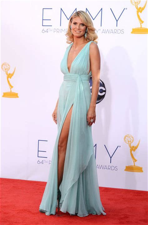 whats wrong with juilanna rancic fashion at the 64th annual emmy awards 2012
