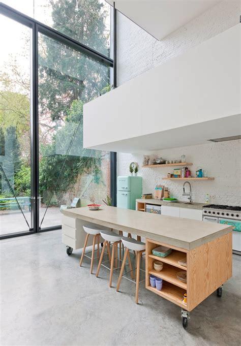 photo de cuisine ouverte avec ilot central comment bien am 233 nager une cuisine ouverte visitedeco