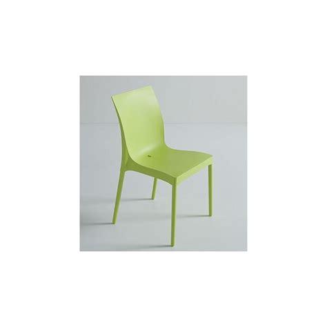 chaise plastique design chaise design iris et chaise plastique design par gaber