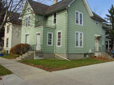Garden Apartments Waukesha 220 E Park Ave Waukesha Wi 53186 Rentals Waukesha Wi