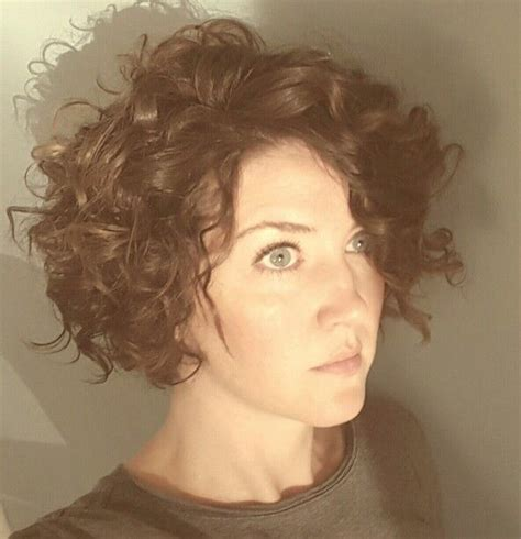 short hair and saggy skin best 25 loose curly hair ideas on pinterest natural