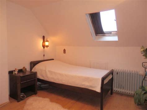 Garagen Schlafzimmer by Freistehendes Einfamilienhaus Mit 2 Garagen Und Keller