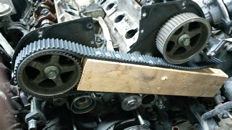 how do you remove the camshaft sprocket on a 1997 gmc jimmy how do you remove the camshaft sprocket on a 1996 honda accord mitsubishi 3 0 sohc engine