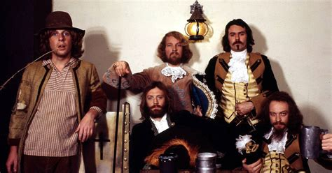 jethro tull book coming    classic bands