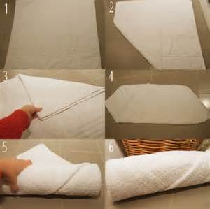 Towel Folding Ideas For Bathrooms by How To Roll Your Towels Like You Re At A 5 Star Hotel