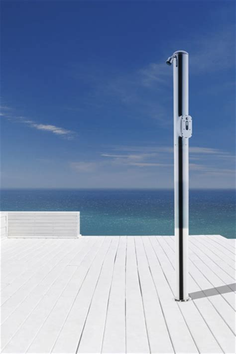 doccie o docce docce solari e docce per esterno cwt piscine
