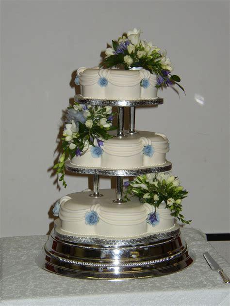 Wedding Cake 3 Tier by 3 Tier Petal Wedding Cake With Fresh Flowers 171 Susie S Cakes