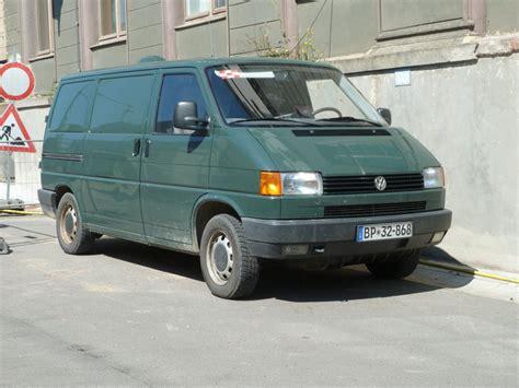 T4 Multivan Lackieren by Vw T4 In Alter Lackierung Ral 6012 Steht Vor Der