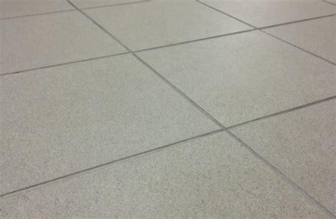 piastrelle 30x30 gres porcellanato per interni ed esterni effetto legno e