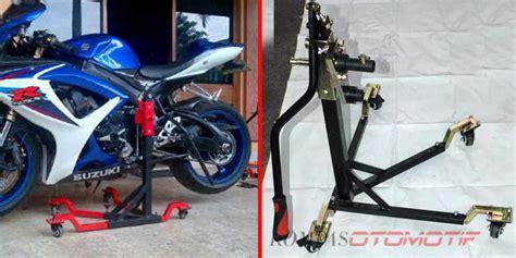 Standar Paddock Depan Untuk Semua Motor ragam standar quot paddock quot untuk moge kompas