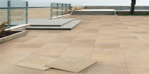 piastrelle pavimenti pavimenti per esterni piastrelle sottili posa su pavimenti