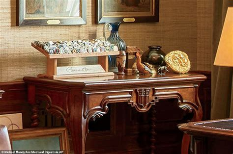 white house treaty room president obama reveals private living areas of white house daily mail online