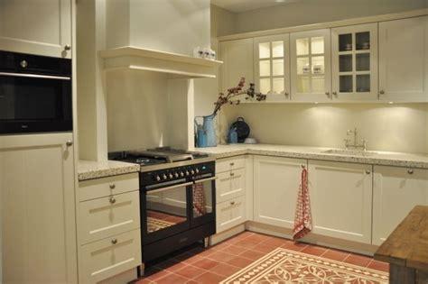 keller keukens apparatuur showroomkeukens alle showroomkeuken aanbiedingen uit