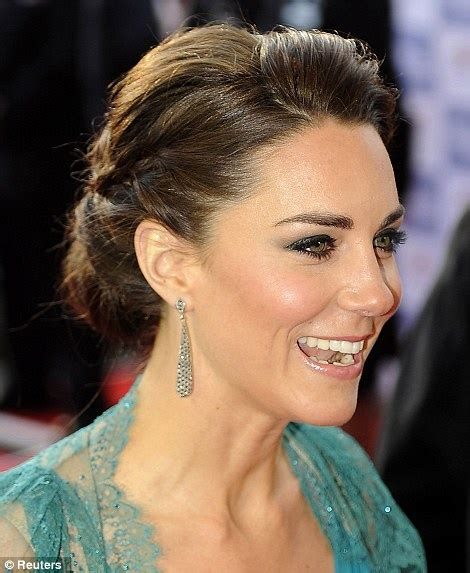 hair and makeup cambridge kate middleton duchess of cambridge in stunning teal