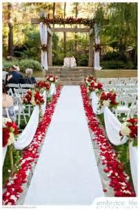 Winter Wedding Church Decorations - best 25 white wedding flowers ideas on pinterest bouquets bouquet and wedding bouquets