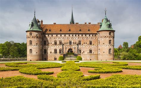 castle images the best castles in the world travel leisure