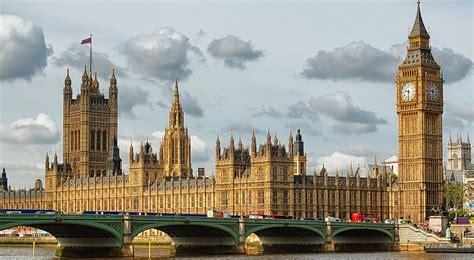 Lukisan Modern Big Ben enjoy a tailor made in this summer ltr castles