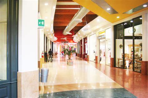 carrefour di pavia centro commerciale carrefour studio calvi