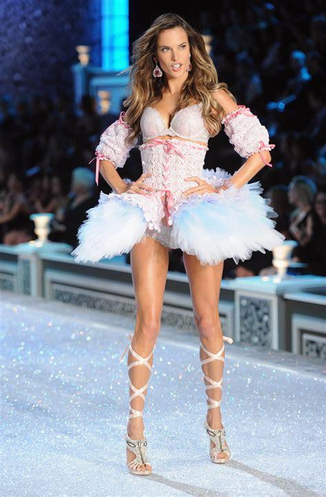 s runway secret alessandra ambrosio victorias secret fashion show