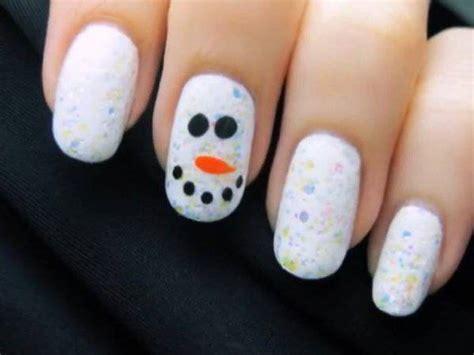 Tutorial Nail Art Pupazzo Di Neve   tutorial nail art natalizia pupazzo di neve stilizzato