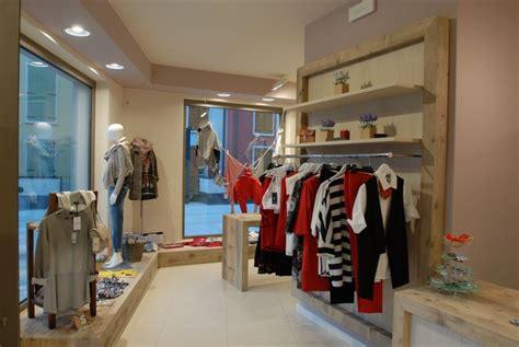 mobili negozio negozio di abbigliamento segala arredamenti