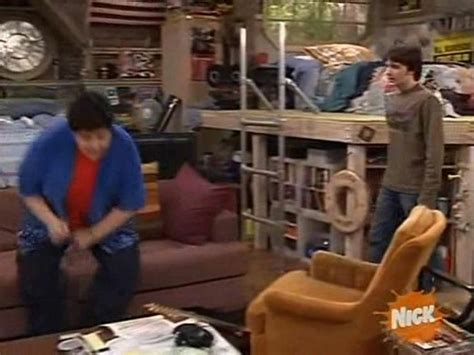 drake and josh bedroom drake and josh platform bed bed for sis pinterest