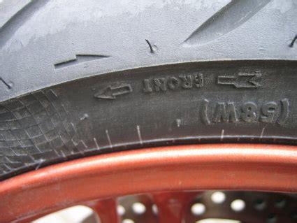 Motorrad Reifen Laufrichtung by Reifen Information