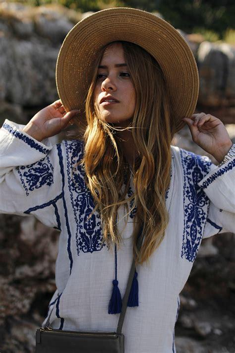 Tunik Carla embroided tunic in cala figuera is wearing a