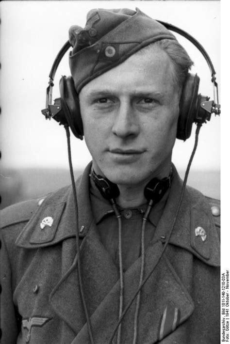 Was trugen die Panzersoldaten WKII um den Hals, Bild