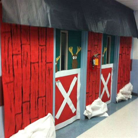 santa workshop cubicles ideas 17 best images about door decorating contest ideas on the grinch door and