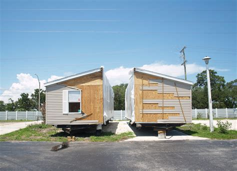 free mobile home how do you put a wide mobile home or manufactured