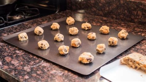 airbake cookie sheet with sides does it actually matter which baking sheet you buy reviewed