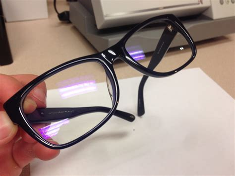 what is anti blue light glasses everything to know about blue light and crizal prevencia