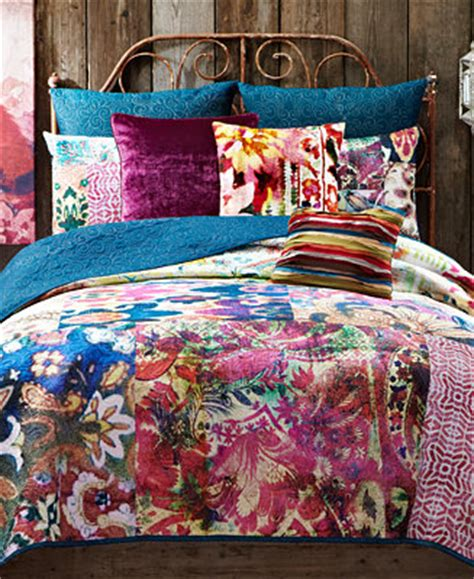 macys bedding quilts closeout tracy porter leandre quilt collection quilts