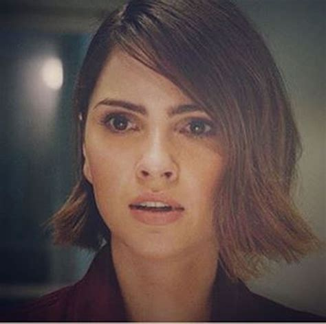 days of our lives shelley hennig as stephanie 14 pictures of american model and actress shelley hennig