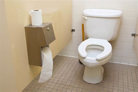 how to go to the bathroom in public this is why public toilet seats are shaped like a u