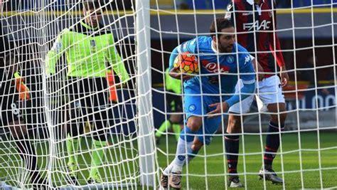 consolati a napoli napoli consolati con higuain 14 gol in 15 gare