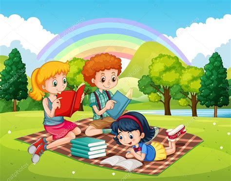 imagenes de niños jugando y leyendo ni 241 os leyendo libros en el parque archivo im 225 genes