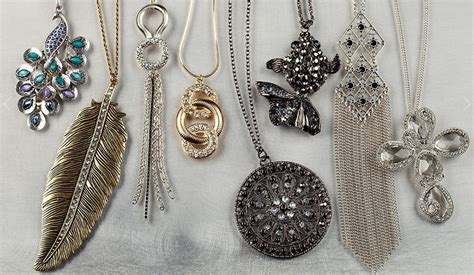 versona accessories grand opening and giveaway haute in