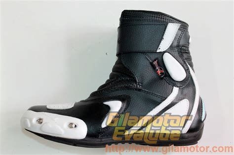 Kenapa Sepatu Di Sport Station Mahal sepatu 7gear sportmax keren dan nggak mahal gilamotor