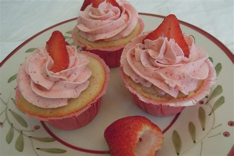 Real Strawberry Cupcakes and Strawberry Buttercream   Christine's Taste of Heaven