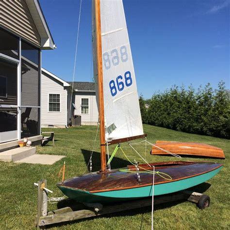 sailing boat moth griff a vintage moth boat boat build pinterest boat
