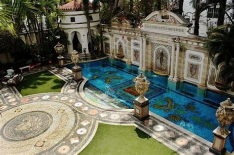 Versace Mansion In South Beach For Sale Ny Daily News Versace House South Miami