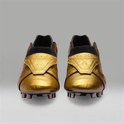 Sepatu Emas sepatu emas tribute 25 tahun totti di roma bola net