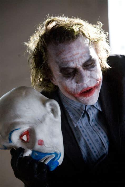 Heath Ledgers Joker Looks Familiar by 1000 Ideas About Joker On Jokers