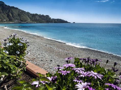 giardini naxos cap front de mer appartement avec terrasse 224 la plage de