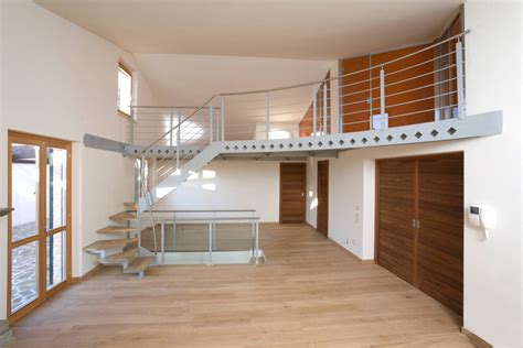 scale per soffitta soppalco in acciaio legno e vetro verniciato di