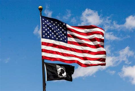 pontoon boat flags american flag for a pontoon boat a pirate flag too