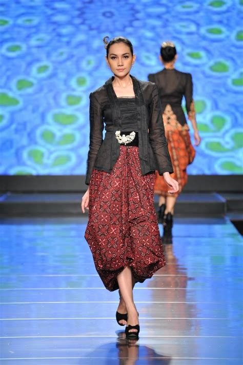 Batik Kebaya Modern Rok Keluarga Kutu Baru Srg 632 244 best kebaya batik images on batik fashion batik dress and blouse batik