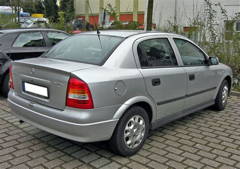 Image Gallery Opel Astra Sedan 2002